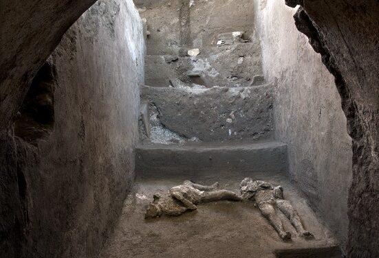 Pompei: riemersi i corpi di due fuggiaschi dall'eruzione del 79 d.C. grazie alla tecnica dei calchi (Video, foto e dichiarazioni)