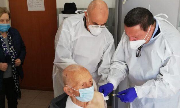 San Sosti: Vincenzo Diurno, 102 anni testimonial d'eccezione della campagna di vaccinazione anticovid