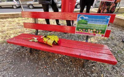 Parità di genere e diritti, a Reggio Calabria installata la panchina rossa nel rione Gebbione