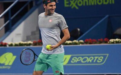 Il ritorno di Roger Federer: incanta, commette errori gratuiti, sorride e vince