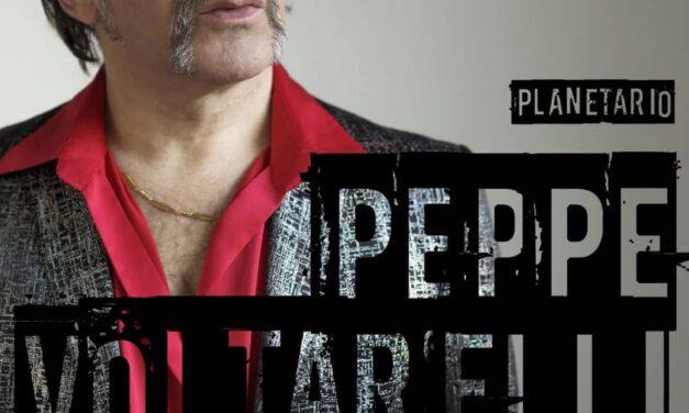 Il cantautore calabrese Peppe Voltarelli pronto a stregare Roccella Jonica